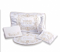 Pesach sets: matzoh covers, pillow cases, afikomen bags, pesach towels.
